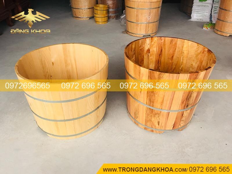Bồn tắm tròn bằng gỗ thông