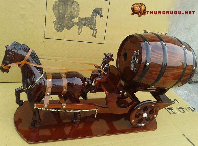 Thiết kế xe ngựa đôi 2 pháo kéo trống rượu vang
