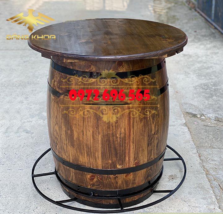 Bàn rượu thùng gỗ hình tròn